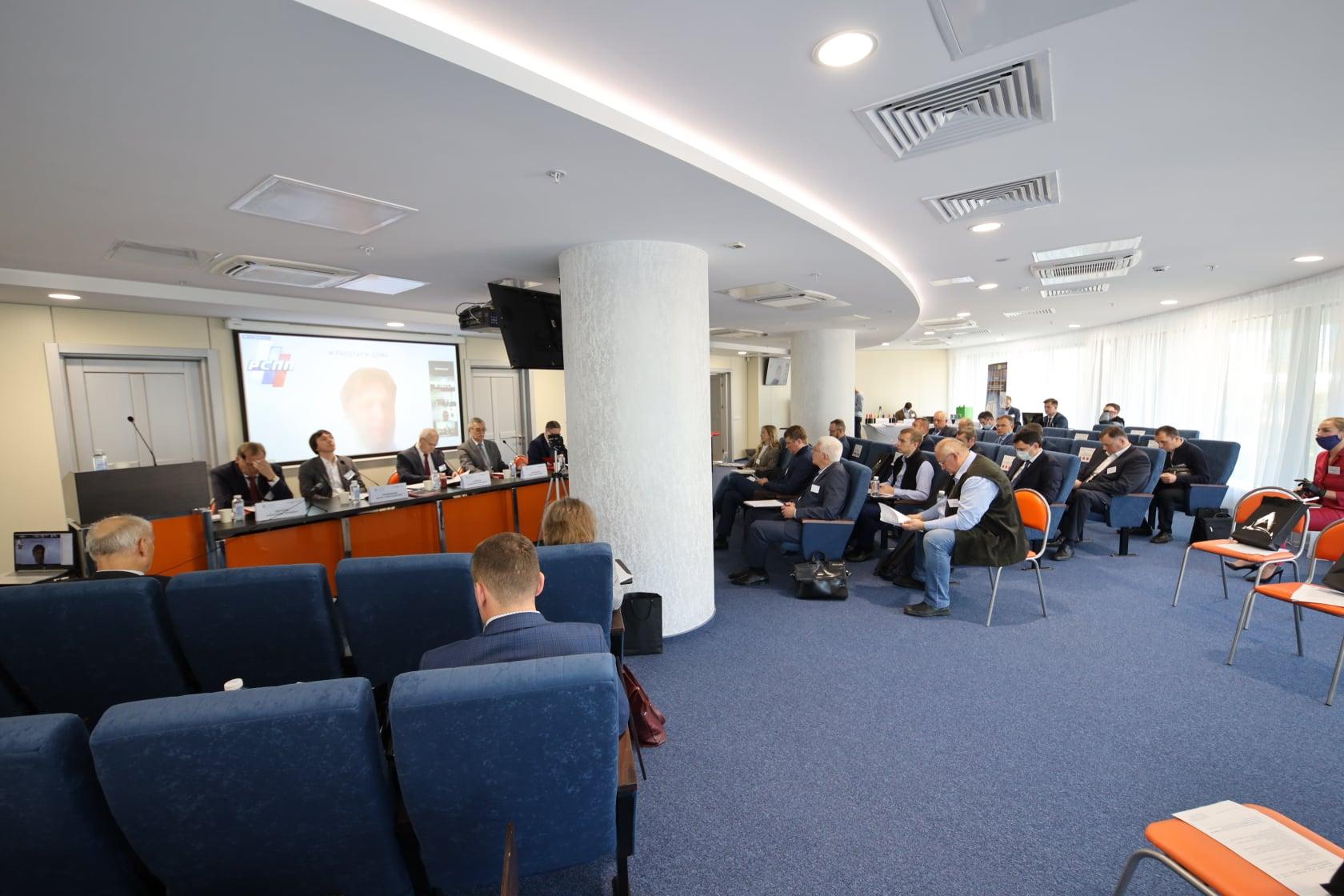 Виктория Акбердина выступила на Комитете по энергетике СОСПП